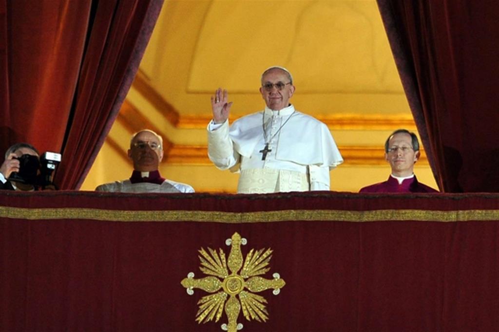 2013. Il 13 marzo il Conclave elegge Jorge Mario Bergoglio nuovo Pontefice, che assume il nome di Francesco. E' il primo Papa latinoamericano. (Foto Gennari) -