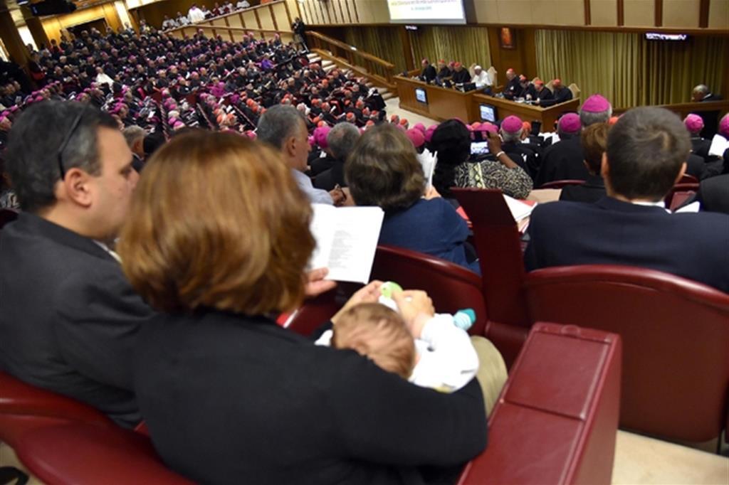 2014. Ad ottobre si apre il primo dei due Sinodi dei vescovi dedicati alla famiglia. Al termine del secondo papa Francesco pubblicherà l'esortazione apostolica post sinodale Amoris Laetitia. (Foto Ansa) -