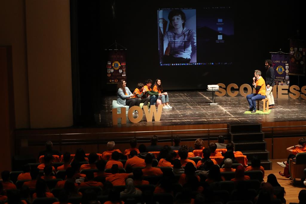 Un momento dell'assemblea di Vignola (foto Adelmo Malavolta)