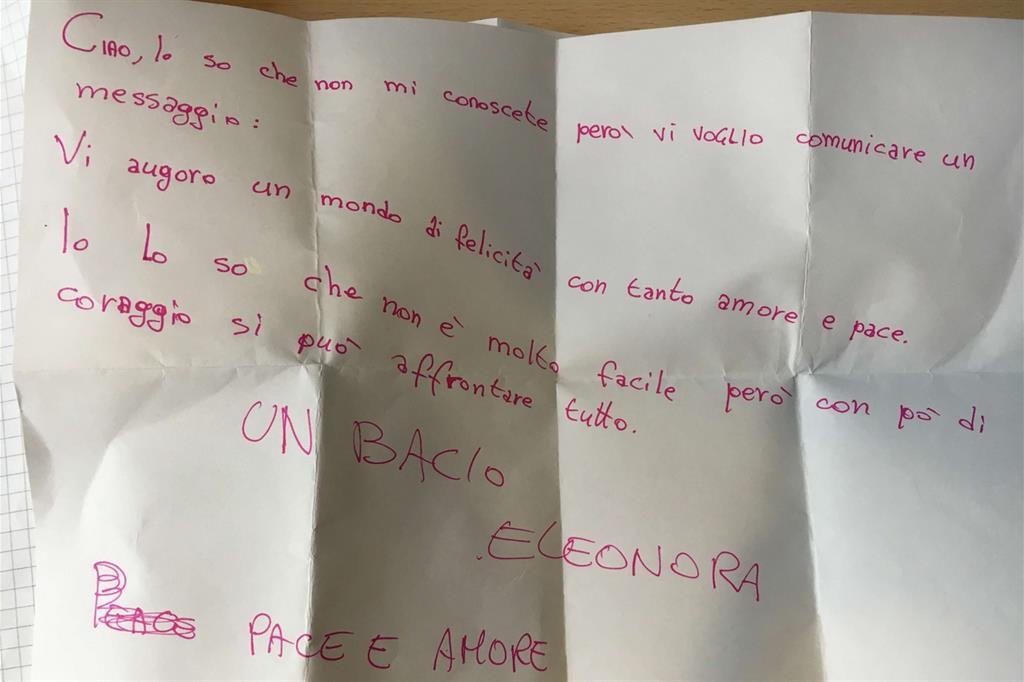 I bambini scrivono ai loro coetanei migranti del Cara: «Non siete soli»