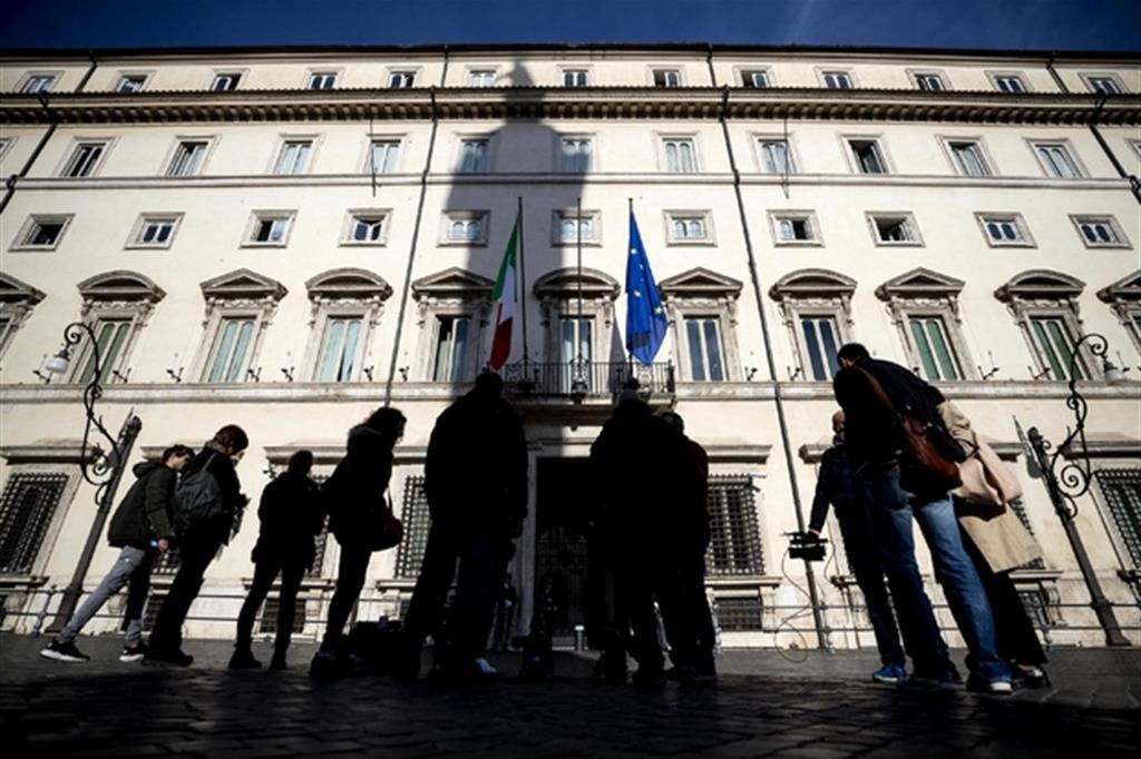 Ombre su Palazzo Chigi (Archivio Ansa)