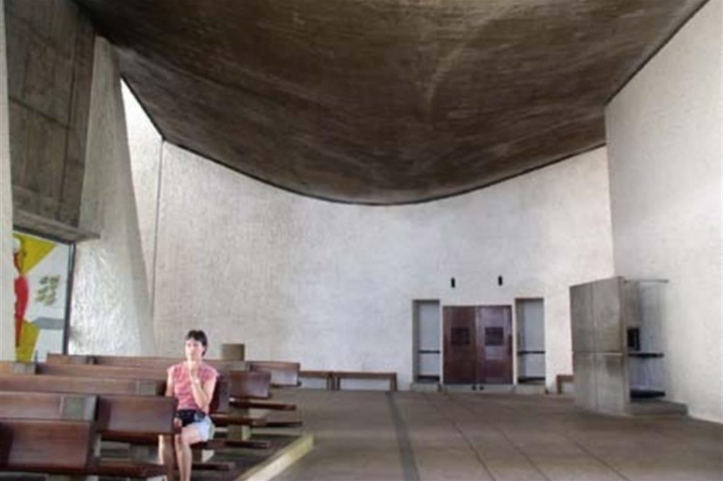 La cappella di Notre-Dame du Haut a Ronchamp progettata da Le Corbusier
