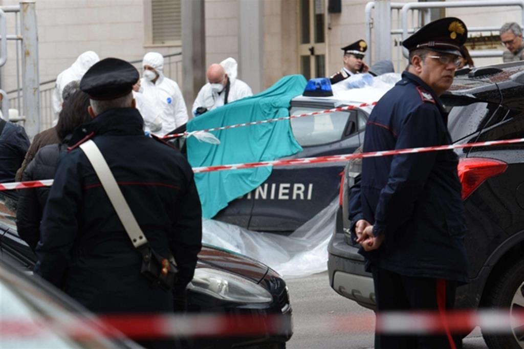 Sparatoria a Cagnano Varano, morto un carabiniere