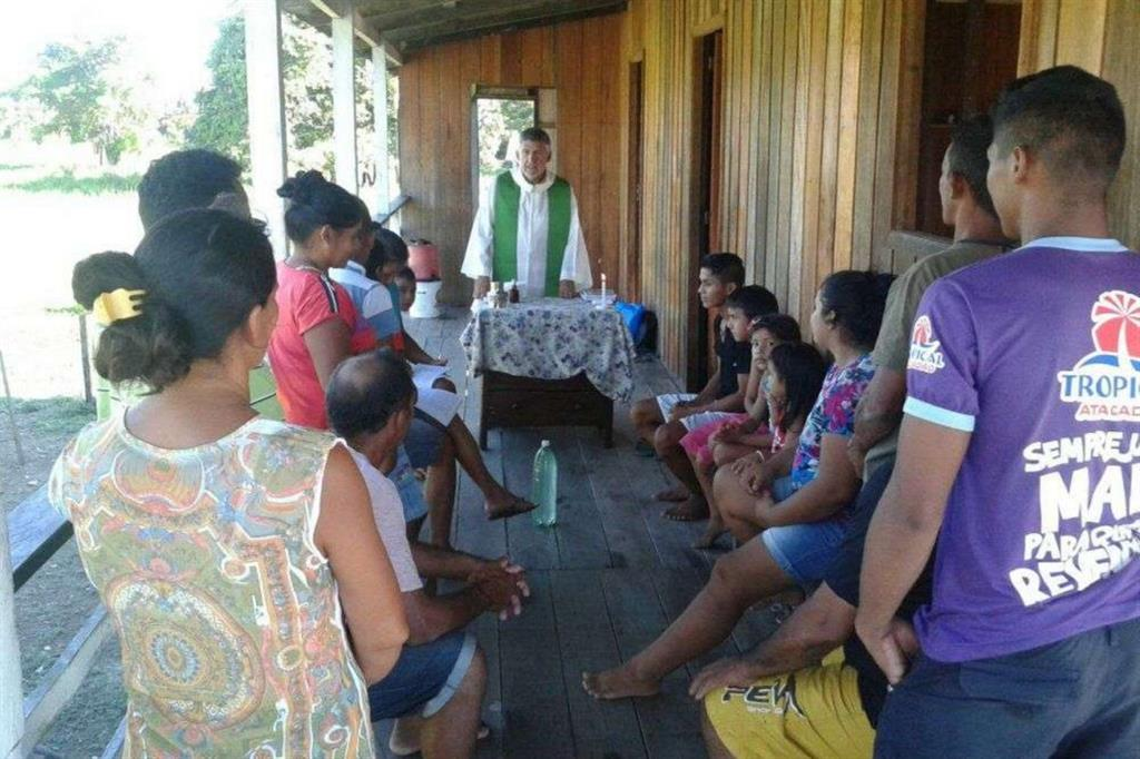 Un missionario del Cmv in Amazzonia