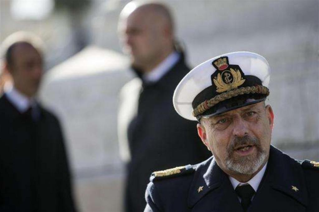 L'ammiraglio De Giorgi: «Ai trafficanti lasciata mano libera»