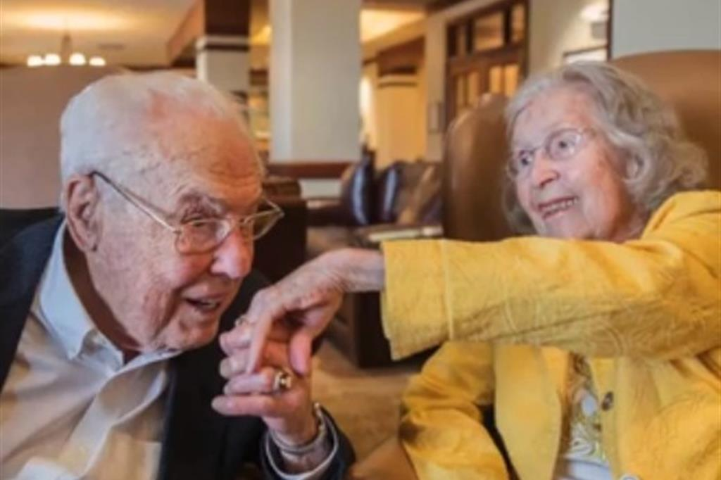 Anniversario Di Matrimonio Piu Lungo.80 Anni Di Matrimonio Charlotte E John Nel Guinness Dei Primati