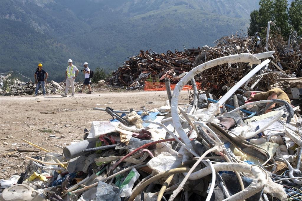 Le macerie nella Zona Rossa di Amatrice il 10 agosto 2018, due anni dopo il terremoto (Ansa)