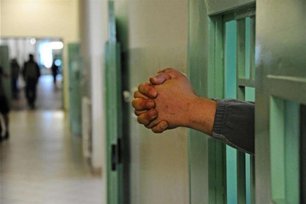 «Il Papa ha sempre avuto una particolare attenzione alle persone detenute, i poveri dei poveri perché sono privi della libertà»: l'invito a pregare per Francesco dalle carceri di tutta Italia