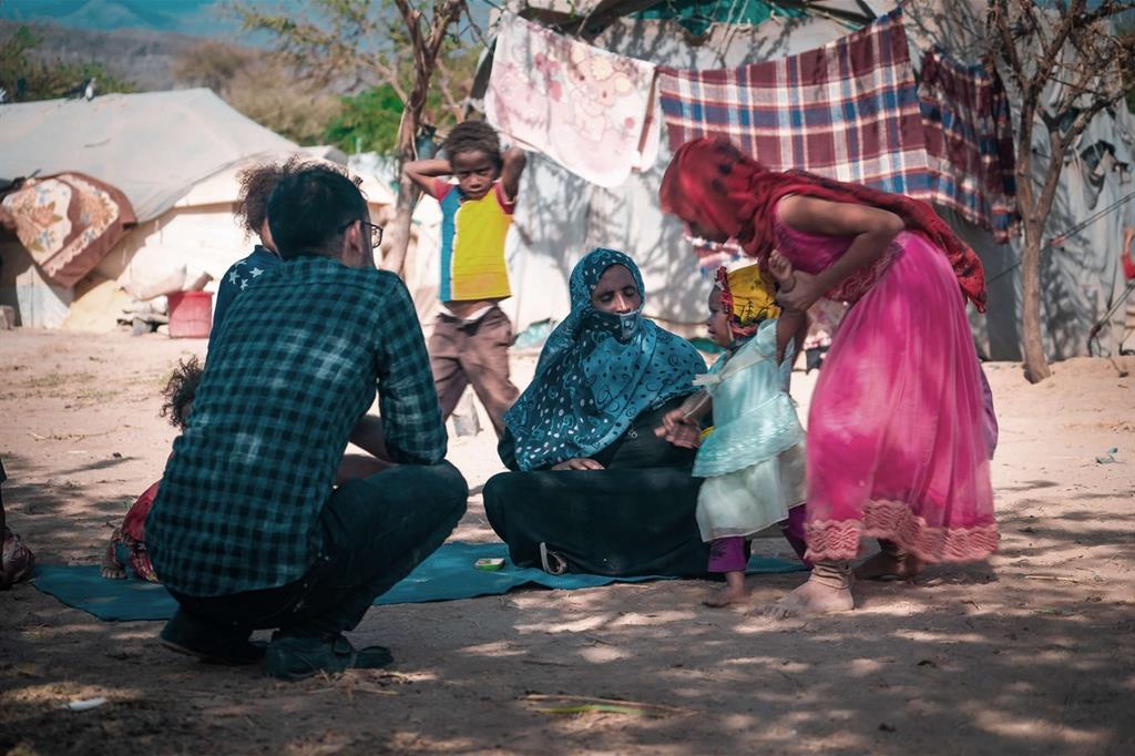 Le famiglie vendono le bimbe come spose per sopravvivere a guerra e carestia