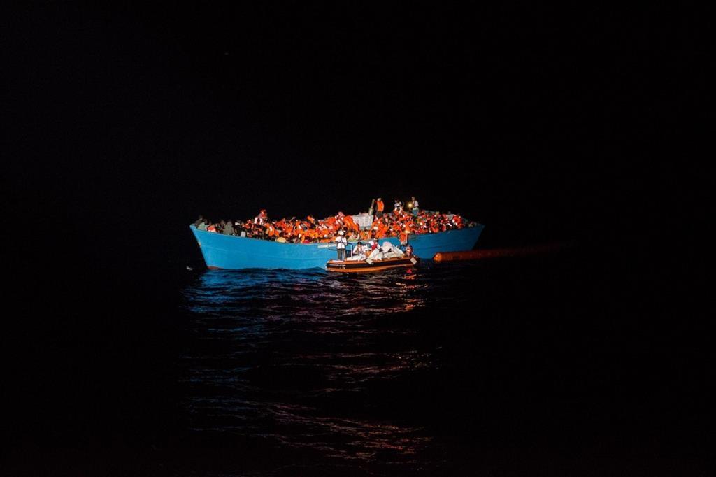 Bimbi profughi annegati in Grecia. Continuano le partenze dalla Libia