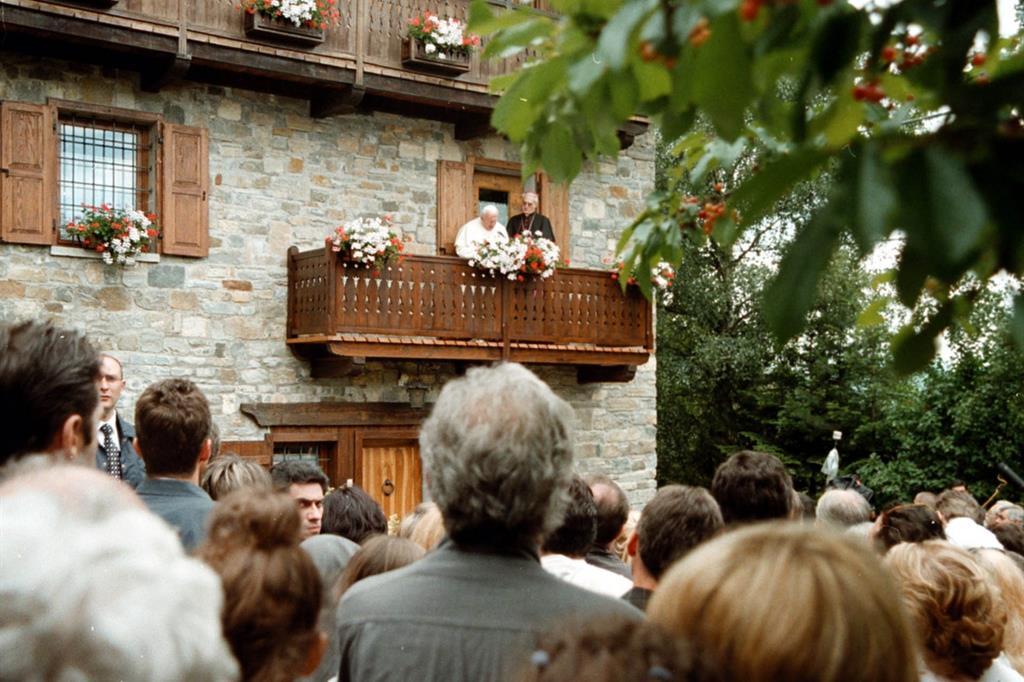 Giovanni Paolo II nello chalet di Les Combes in Val d'Aosta nel 1999