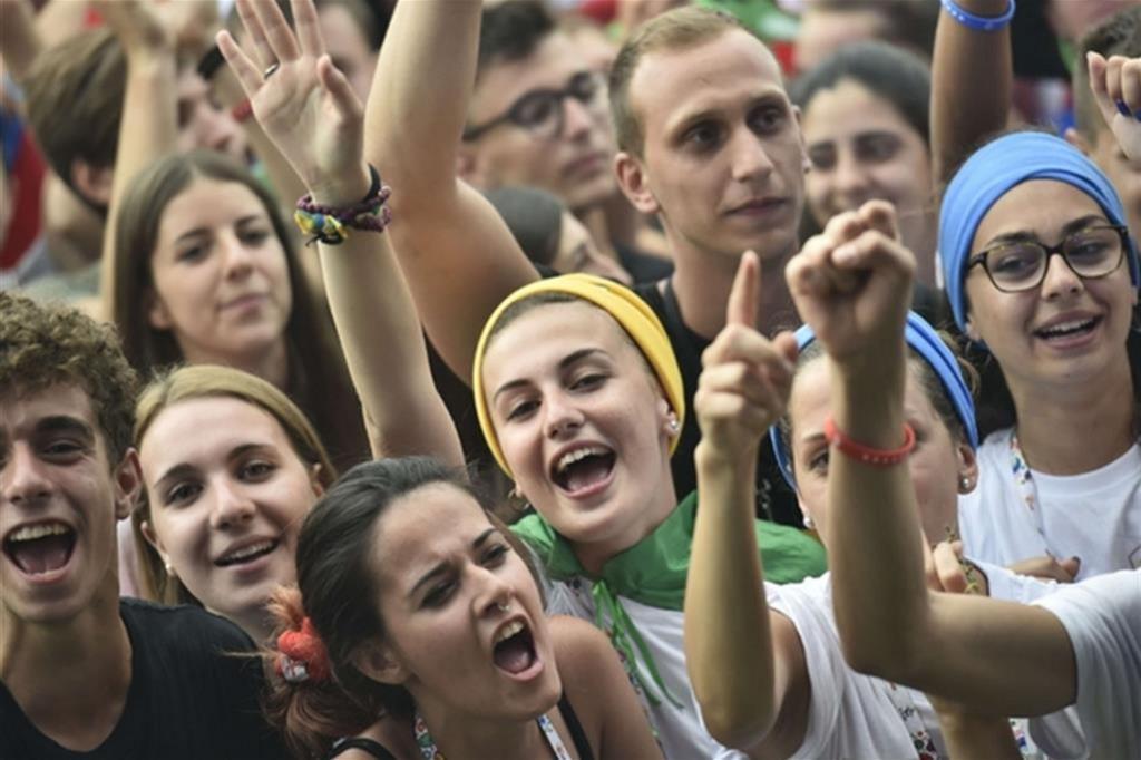 Giovani italiani più fragili dei coetanei europei: 29% non studia né lavora