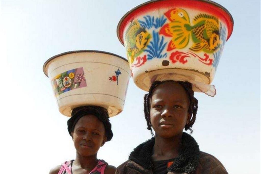 La Comunità di Villaregia è presente in molti paesi del Sud del mondo come Costa d'Avorio, Mozambico, Burkina Faso, Brasile, Perù, Messico e Portorico, dove porta avanti progetti di promozione umana, nel settore della formazione, alfabetizzazione, nutrizione e sanitario -