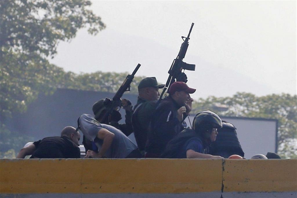 Militari passati dalla parte dell'opposizione -