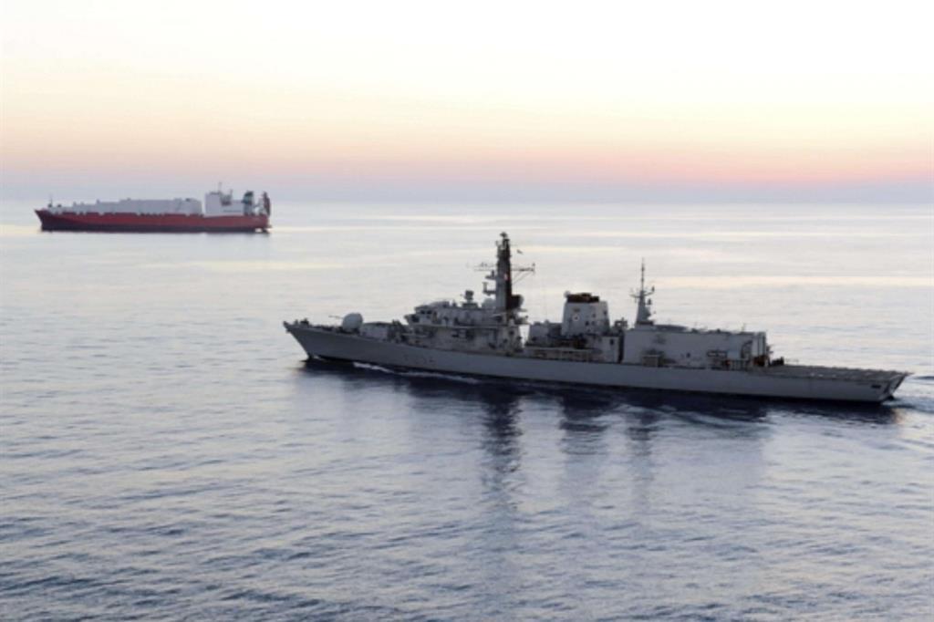 La fregata britannica Hms Montrose (Ansa)
