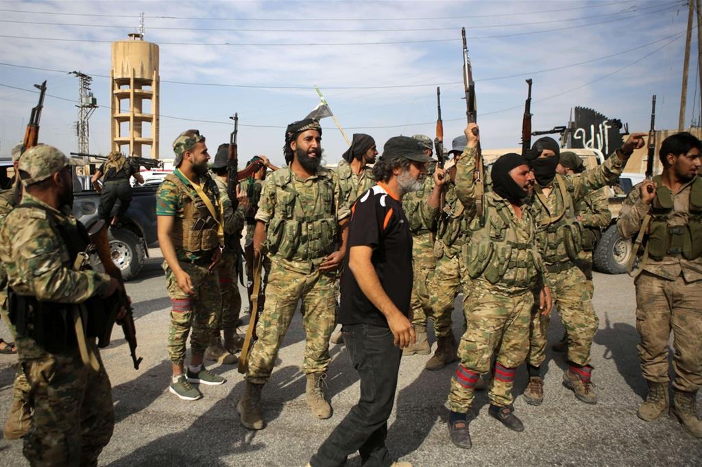 Con i turchi avanzano le milizie islamiste, alleate fedeli -