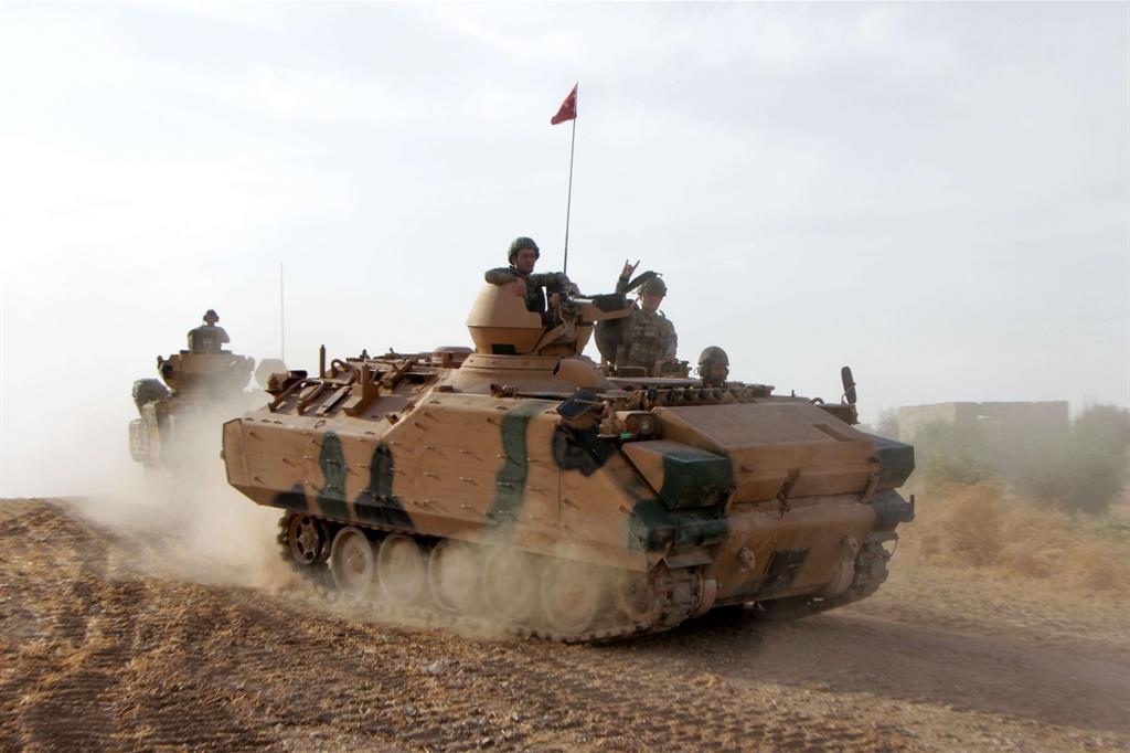 I soldati di Ankara procedono velocemente nell'attacco terrestre -