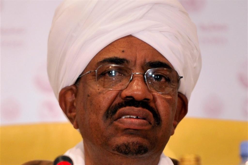 L'ex presidente sudanese Omar el-Bashir ha 76 anni: è stato deposto l'11 aprile scorso con un golpe