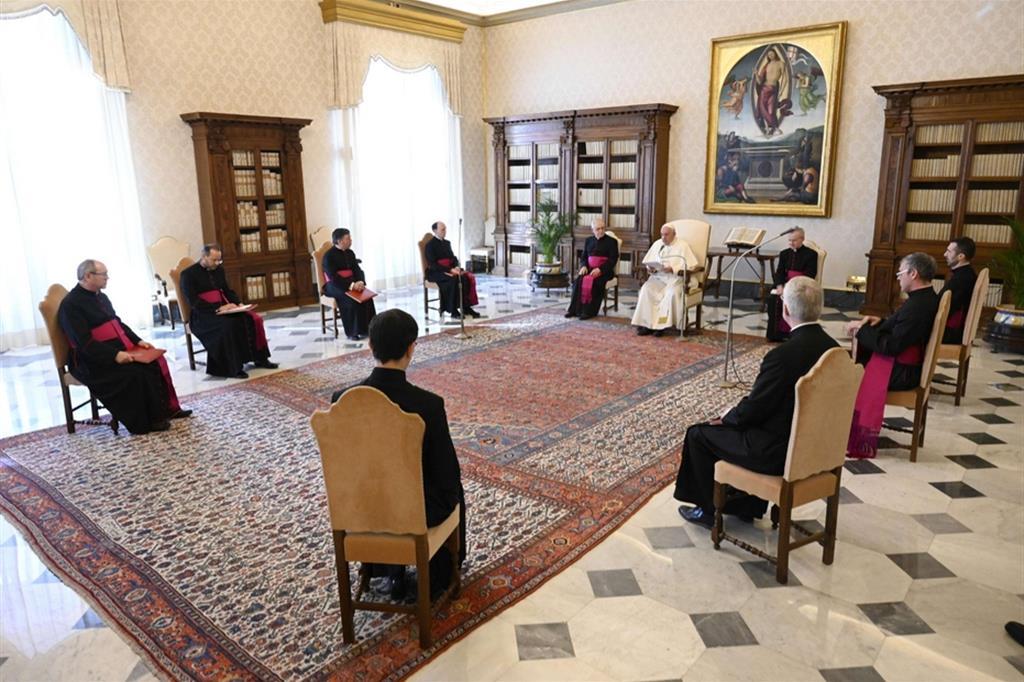 """Papa Francesco: """"La Pasqua ci dice che tutto andrà bene"""""""