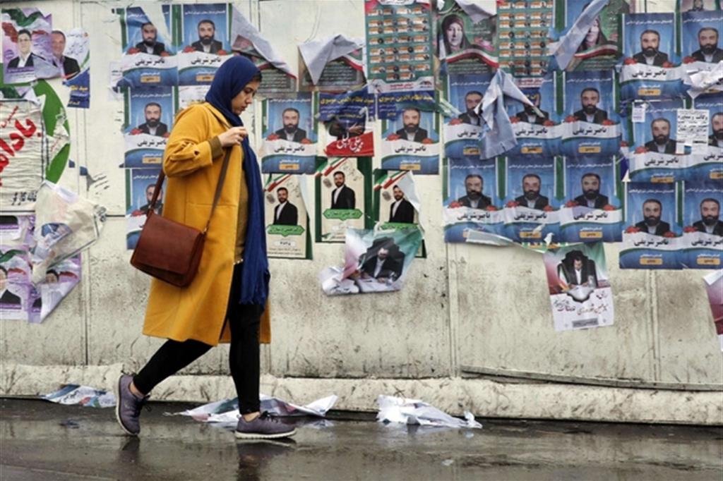 Iran oggi al voto. Regime alla prova di fedeltà a Khamenei