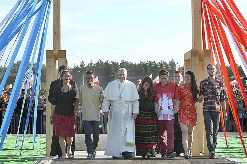 Il Papa con i giovani alla Gmg di Cracovia nel luglio 2016