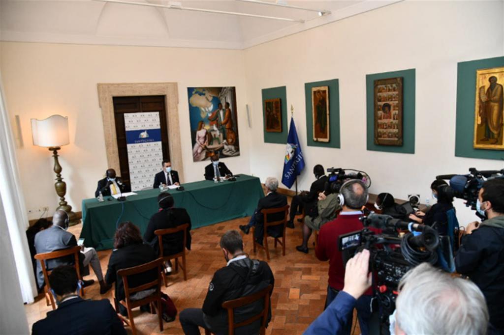 La conferenza stampa nella Sala della Pace della sede a Trastevere della Comunità