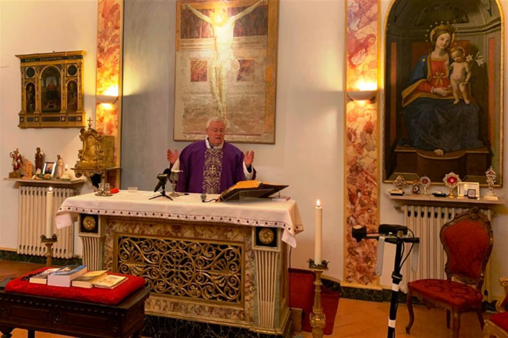 La Messa con il cardinale Bassetti senza fedeli