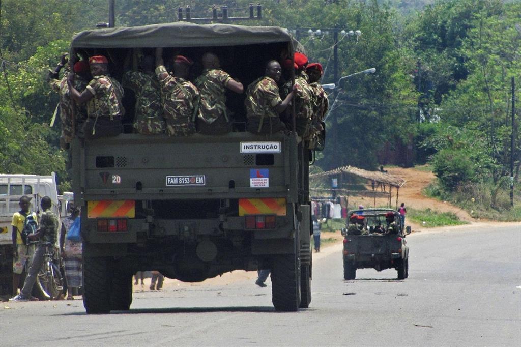 L'esercito non riesce a contrastare le azioni dei gruppi jihadisti