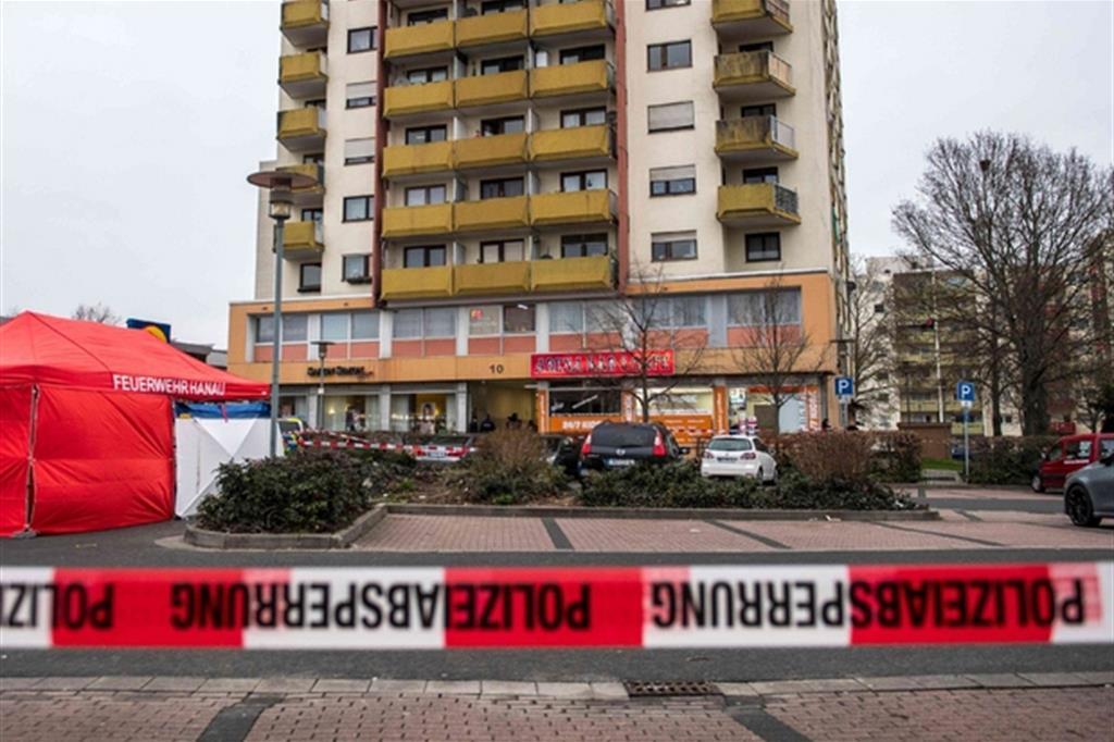 Attacco ad Hanau: morti e feriti. «Strage xenofoba»