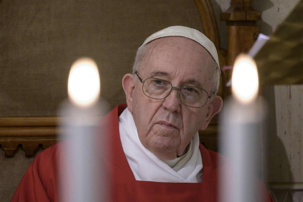 Papa Francesco celebra a Santa Marta