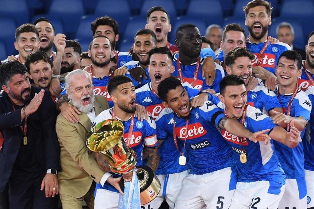Coppa Italia, il Napoli ringhia e vince ai rigori sulla Juve