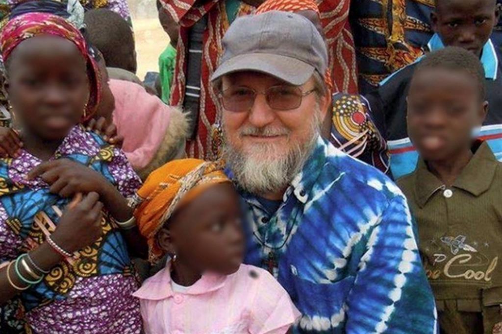 Liberati in Mali padre Pierluigi Maccalli e Nicola Chiacchio