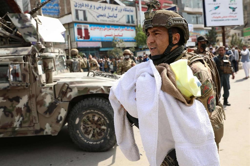 Attacco a un ospedale di Msf a Kabul: è strage di donne e neonati