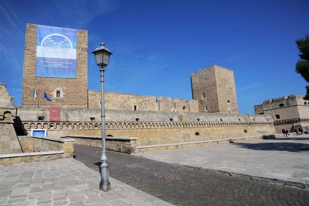 Bari accoglie l'incontro del Mediterraneo - Fotogramma