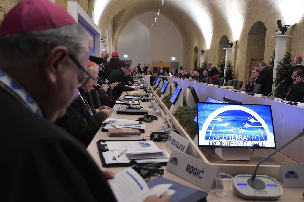 A Bari il G20 dei vescovi per costruire nuove frontiere di pace