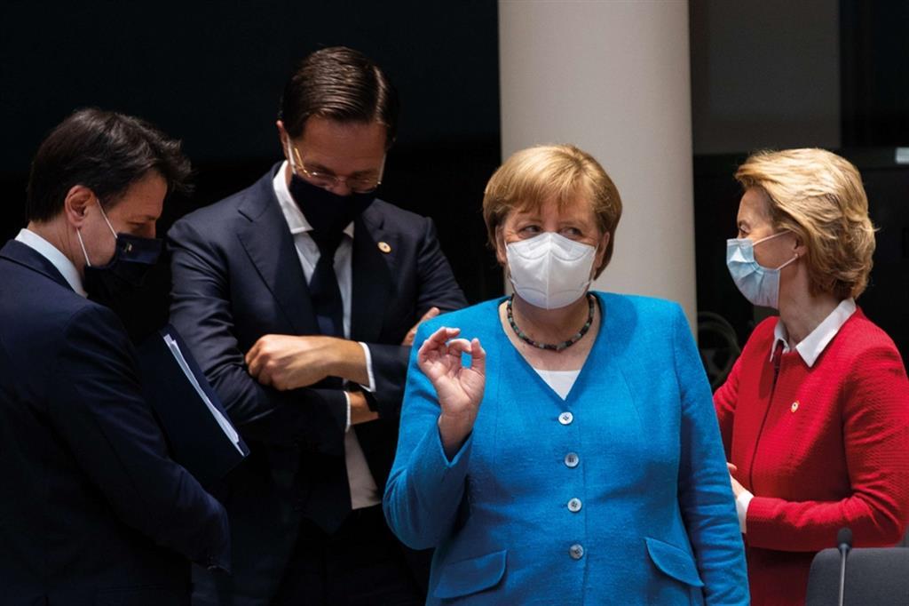 Politica e pandemia - Ansa - Libro photoANSA 2020