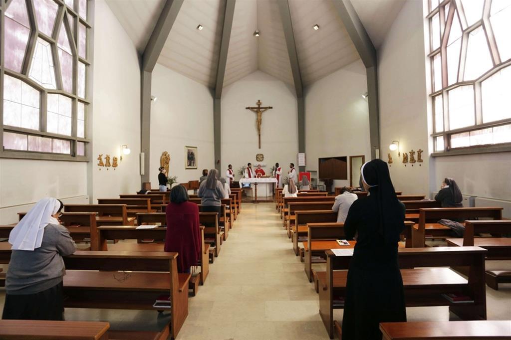 Messe, sì già da maggio: dall'11 all'aperto e dal 25 nelle chiese