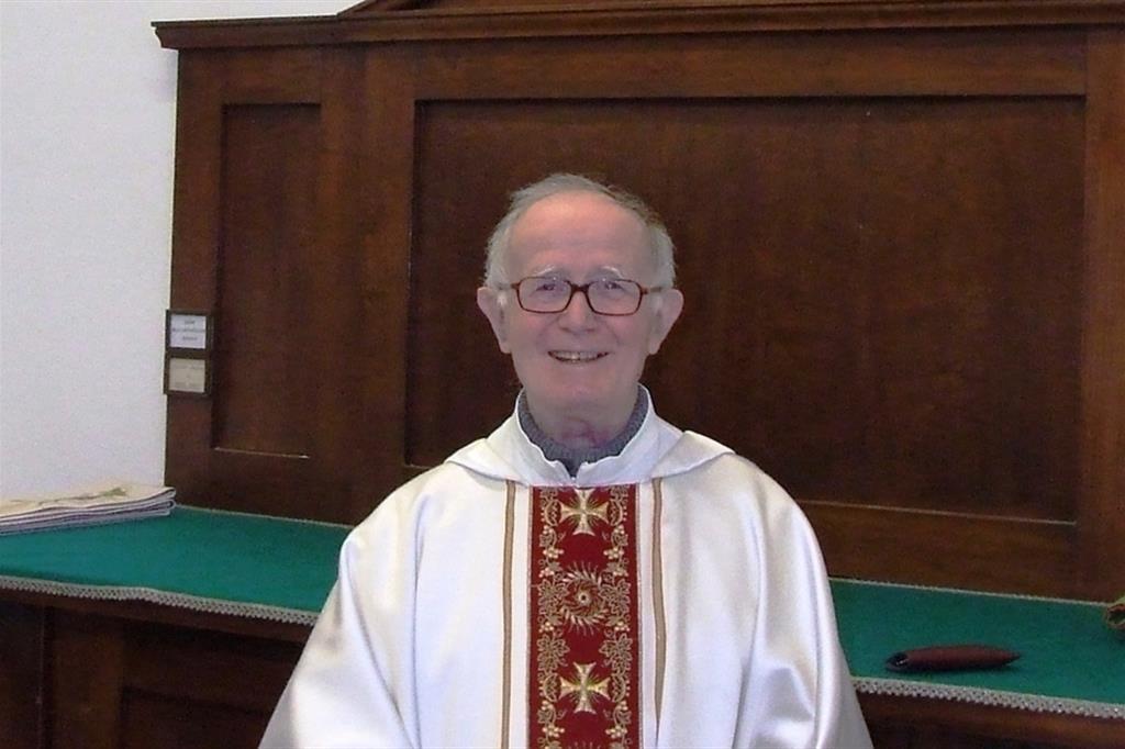 Monsignor Bruno Maggioni in una foto di archivio
