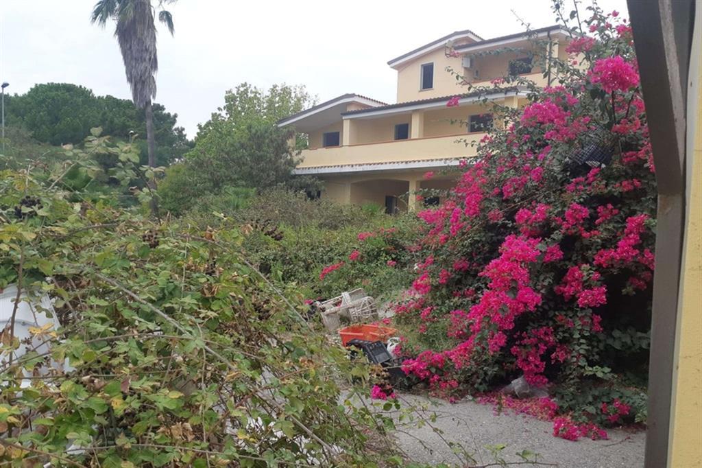La villa confiscata e mai utilizzata come scuola