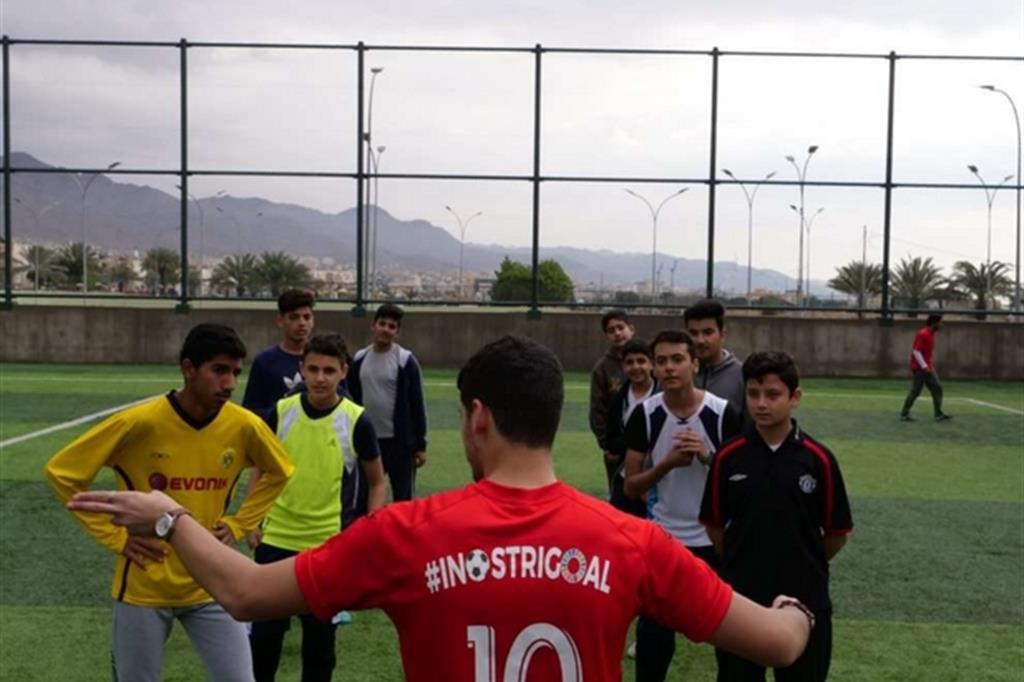 Il calcio come strumento di inclusione sociale: è il progetto avviato ad Aqaba, in Giordania, per i giovani rifugiati dalla Siria. Aldo Gianfrate Fondazione AVSI Giordania - Aldo Gianfrate Fondazione AVSI Giordania