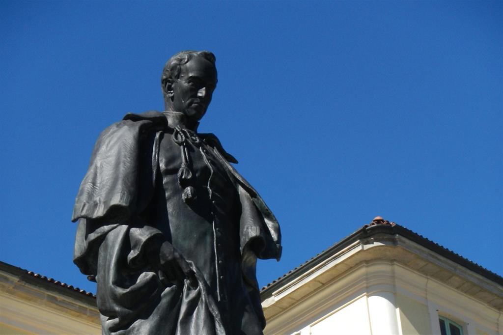 Il monumento ad Antonio Rosmini di Milano