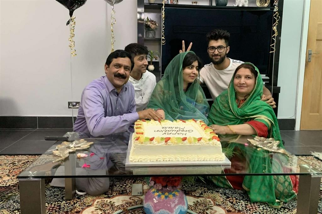 Malala realizza il suo sogno: si è laureata a Oxford