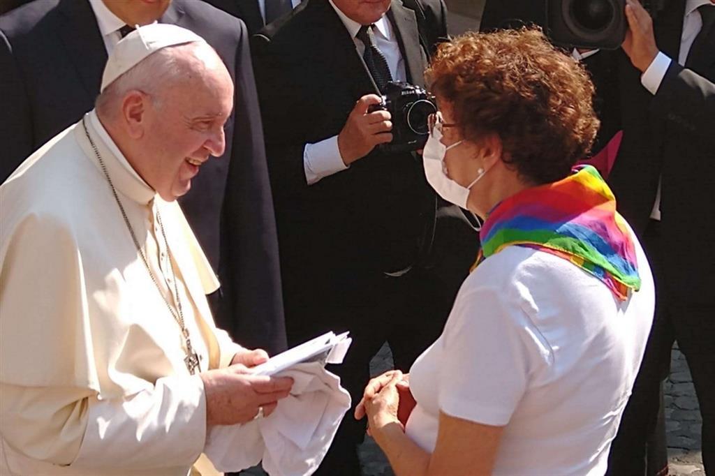Papa Francesco La Chiesa Ama I Vostri Figli Cosi Come Sono