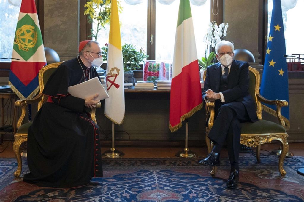 Il segretario di Stato della Santa Sede, cardinale Pietro Parolin, con il presidente della Repubblica, Sergio Mattarella