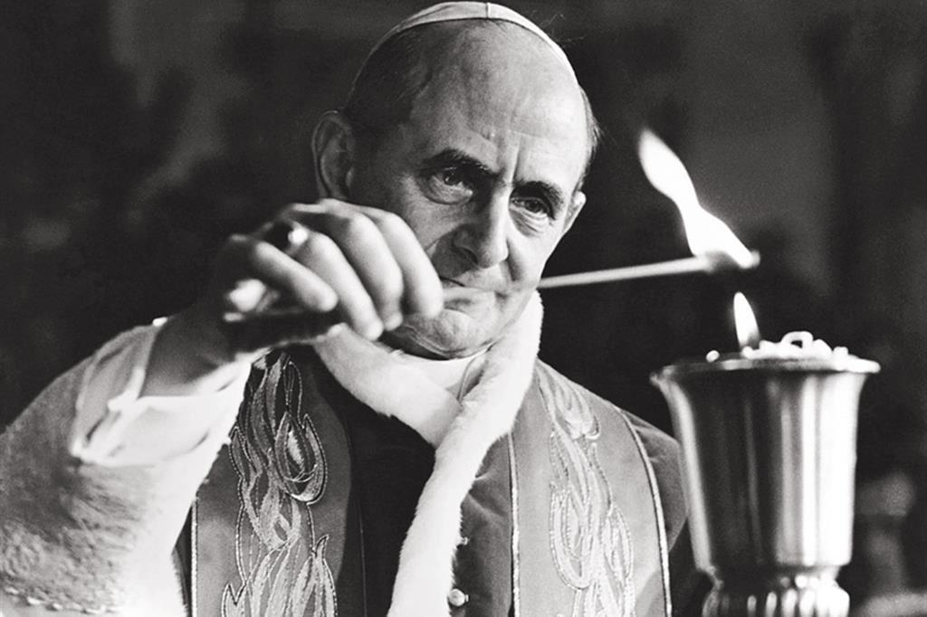 Paolo VI accende il cero pasquale - Pepi Merisio