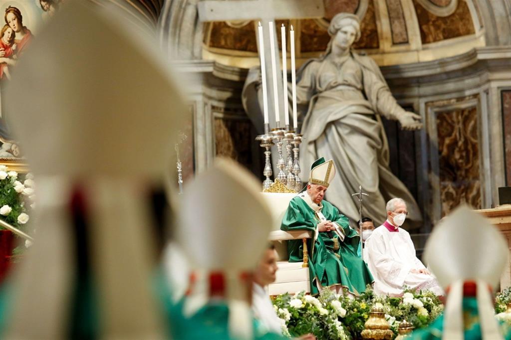 Il Papa apre il Sinodo: ascoltarsi, non blindarsi in proprie certezze