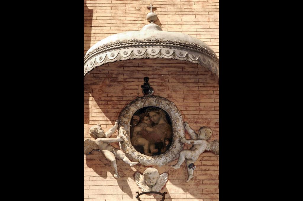 Madonna della seggiola, XVIII secolo, via dellÕArco dei Ginnasi, rione Pigna, Roma - Siciliani