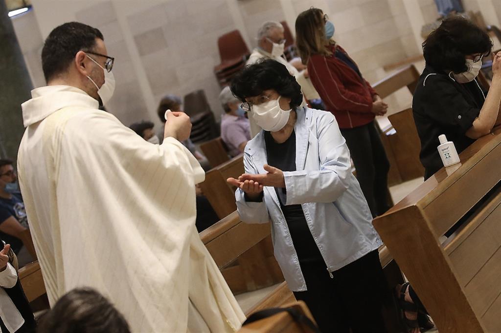 Il Papa: la Messa domenicale recuperi centralità
