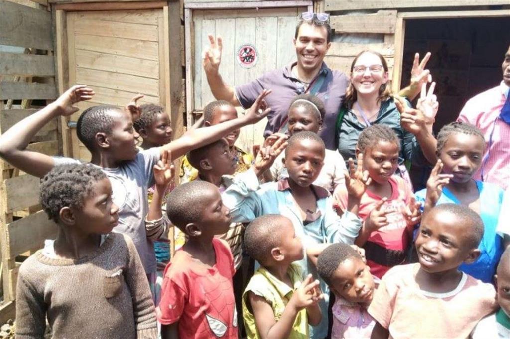 Elisa e Maurizio nell'orfanotrofio di Goma, in Congo