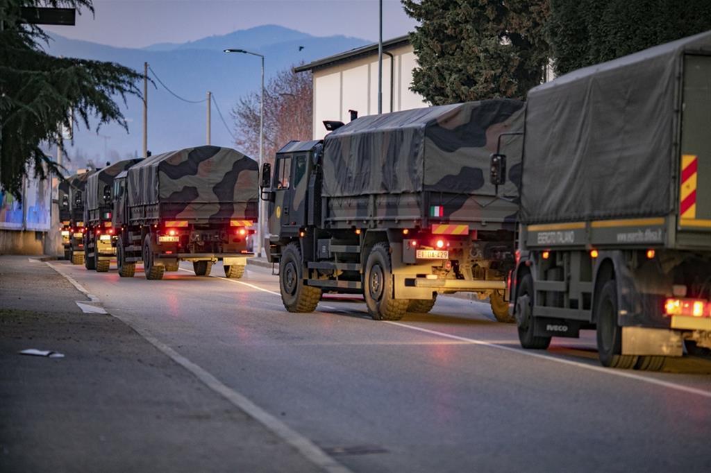 Era il 18 marzo del 2020 quando i camion dell'esercito partirono dalla città di Bergamo carichi delle bare dei defunti per portarle a cremare in altre città e altre regioni